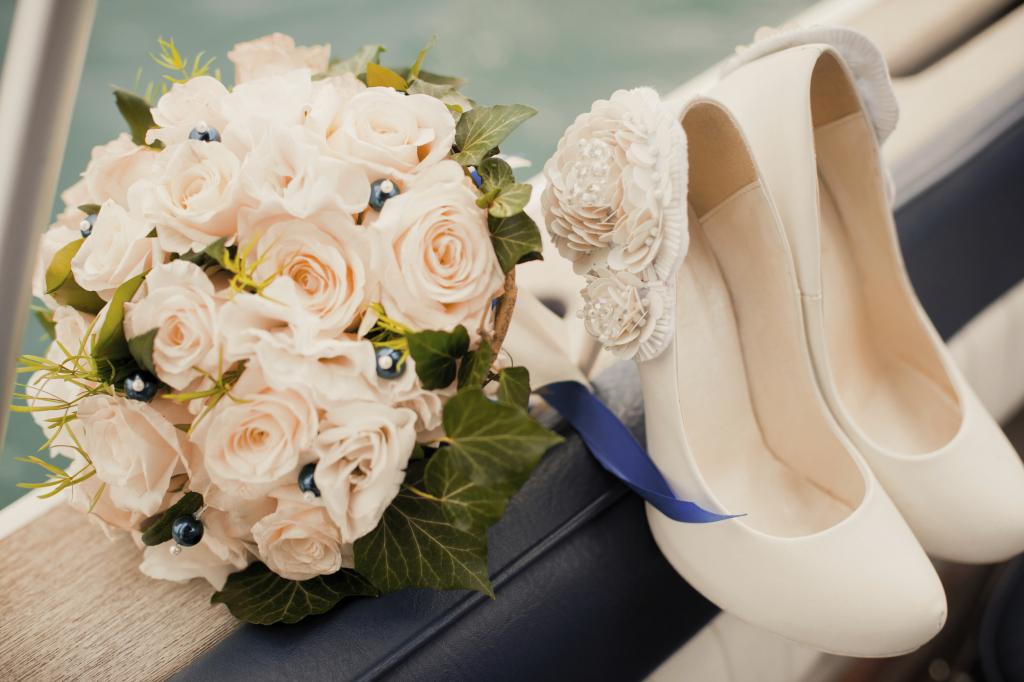Bouquet Sposa Vestito Champagne.3 Scarpe Spose Bouquet Sposa Creative Wedding Roma