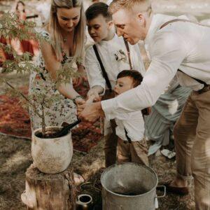 cerimonia simbolica del piantare un albero matrimonio